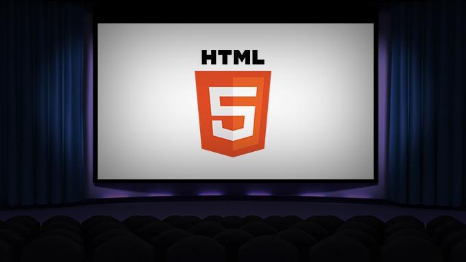 Logo de HTML5 proyectado sobre una pantalla de cine